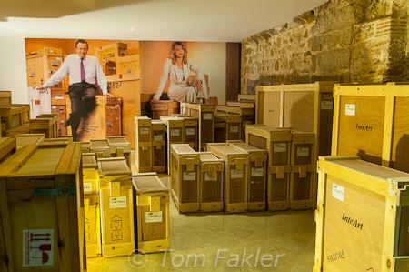 Shipping crates, Espai Carmen Thyssen