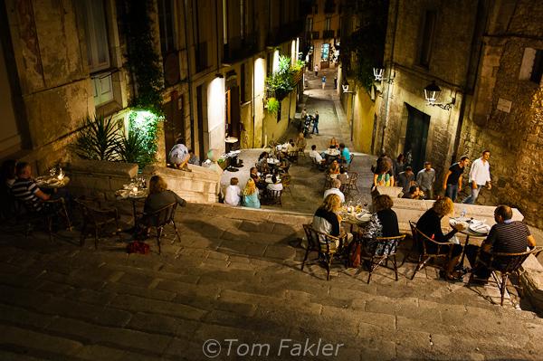 Dining alfresco in Barri Vell, Girona