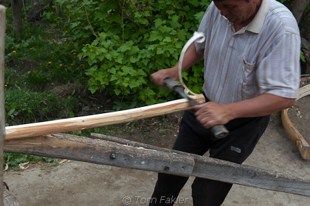 Peeling plank for yurt frame