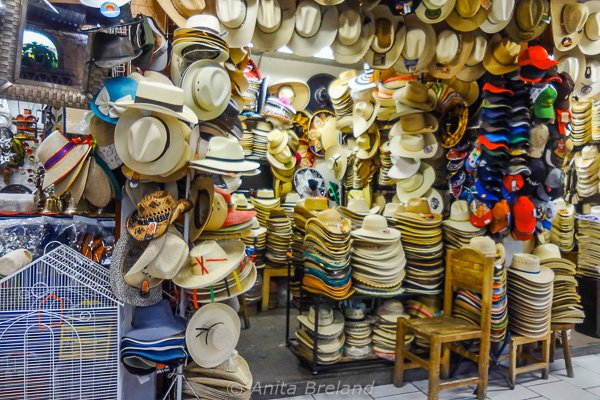 shop full of various type of hats