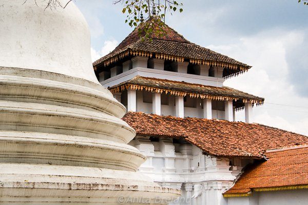 Lankatilake Temple