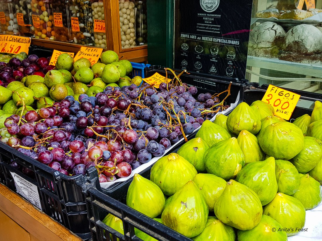 Grapes and figs on display