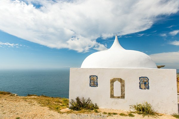 Memory chapel near the Our Lady of the Cape Church in Sesimbra