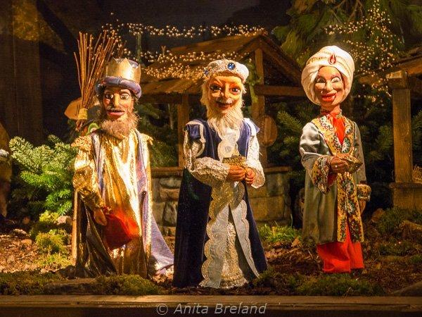 110 nativity scene