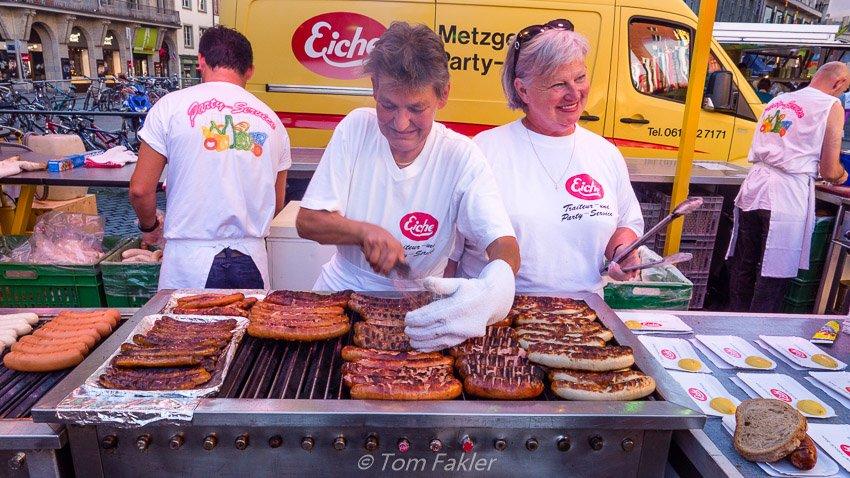 Grilling picnic sausages