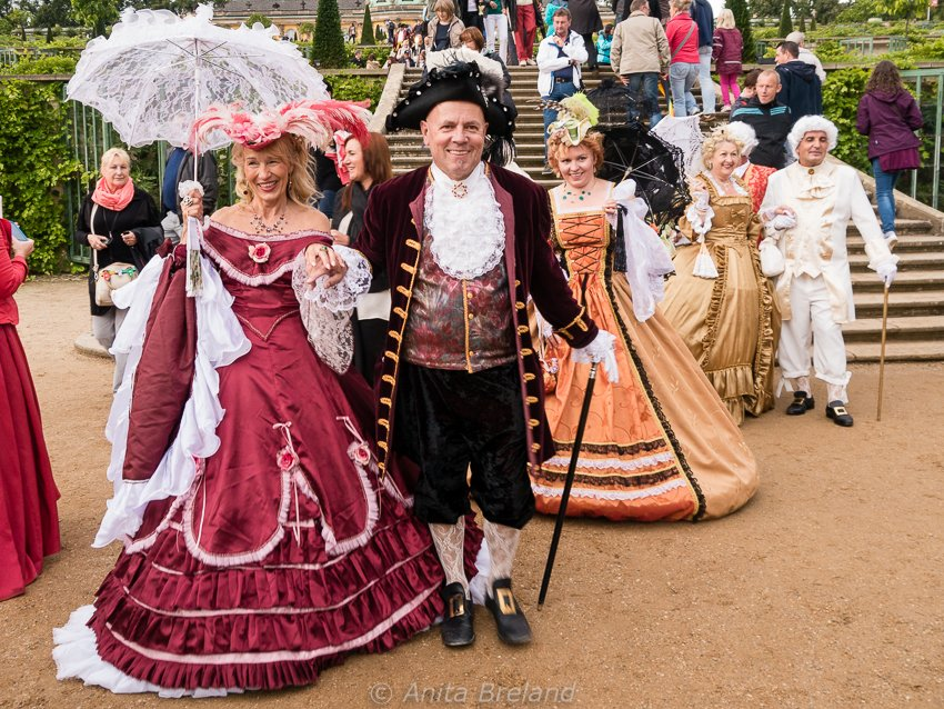 Costumed Schlössernacht players add to the atmosphere as they greet visitors.