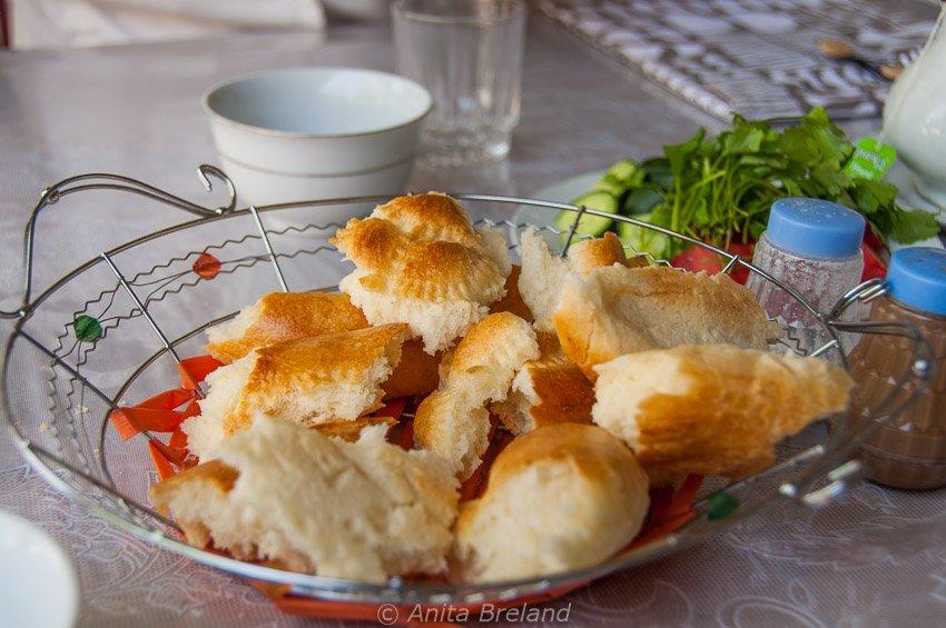 Uzbek bread to share