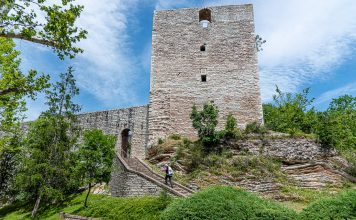 Albornoz Fortress stands above the village