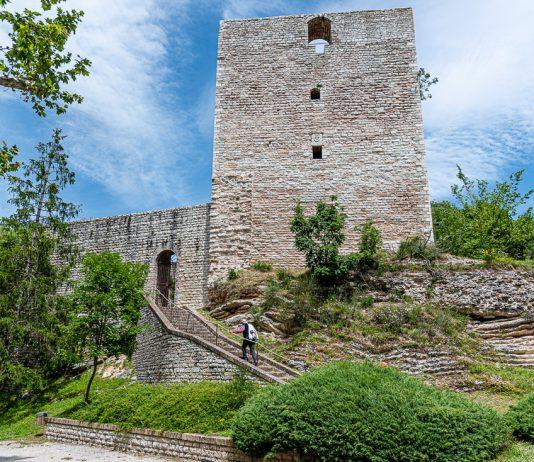Albornoz Fortress stands above the village