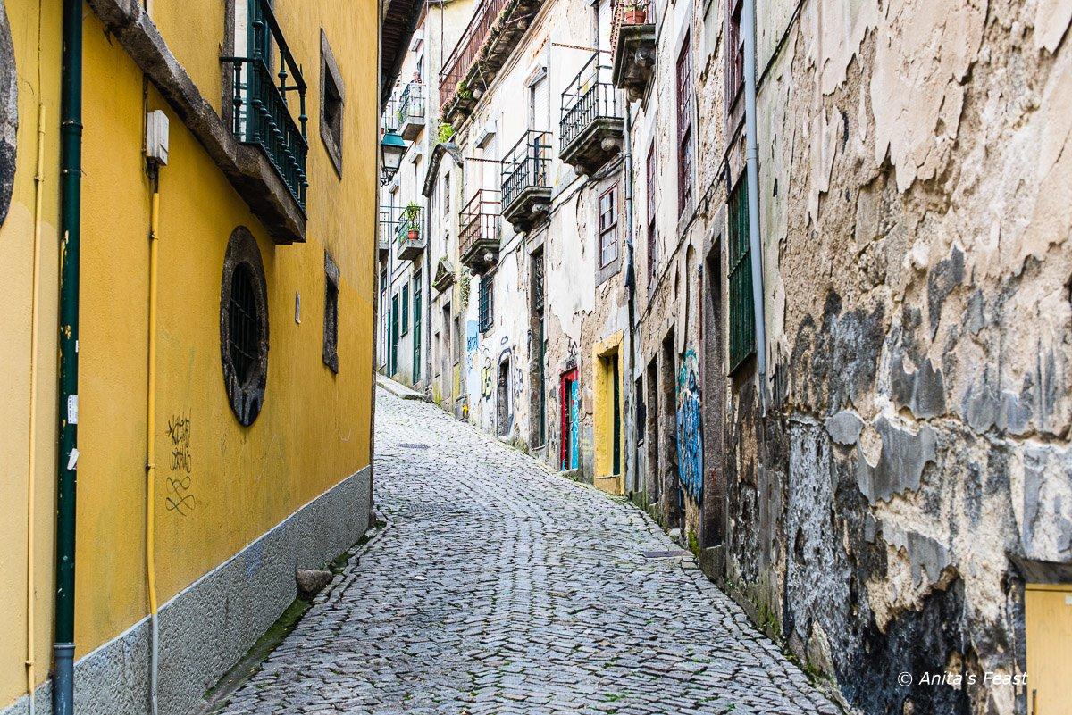 Deserted Porto street